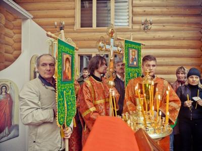 Первая литургия (фото 01)