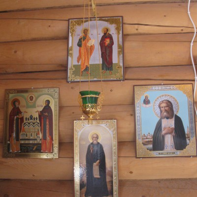 Приобретение икон и лампад для храма